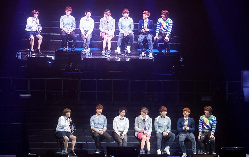 韩团BEAST粉丝见面会 表演精彩与粉丝频繁互动