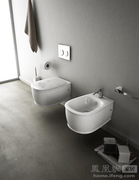 解决小空间妙用 炫酷壁挂式马桶告别笨重感