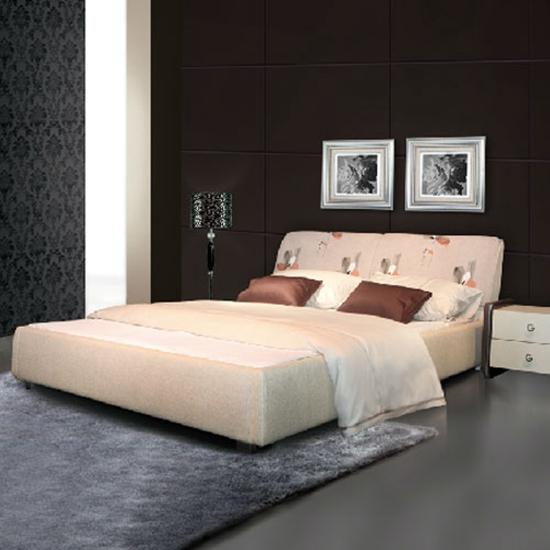 卧房形状为斜边或是多角形状。