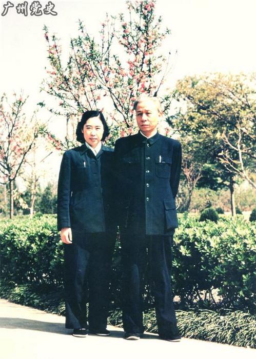 2006年10月13日,刘少奇夫人王光美因病在北京逝世,享年85岁(图片、注释来源:广州党史)。图为:刘少奇、王光美合影(1958年)。