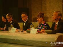 2013华姐总决赛重量级评委团亮相 袁咏仪表情认真