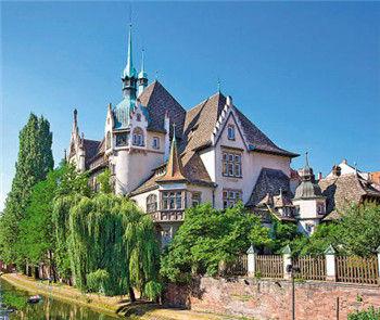 遵义新浦新区最新-法国阿尔萨斯省科尔玛小镇,是《哈尔的移动城堡》中的场景之一.