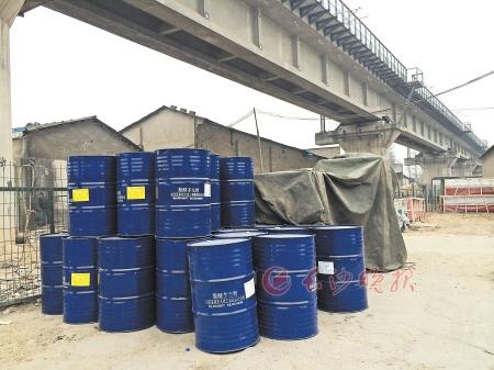 暗访黎托货运市场仓库 消防储水桶不见一滴水