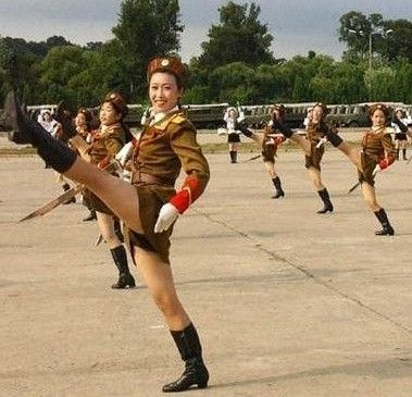 为什么朝鲜女人不能穿裤子_时尚频道_凤凰网
