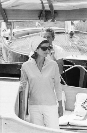 杰奎琳.肯尼迪在阿马尔菲海岸度假-肯尼迪夫人18个经典剪影