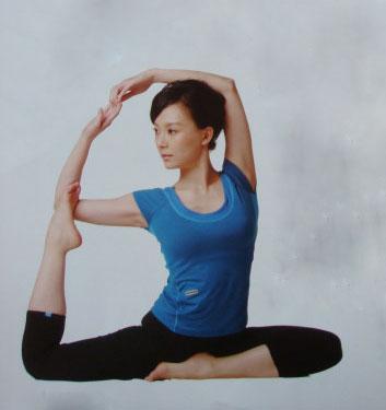 《瑜伽那些事》陈数示范夫妻减肥动作熟睡的视频图片