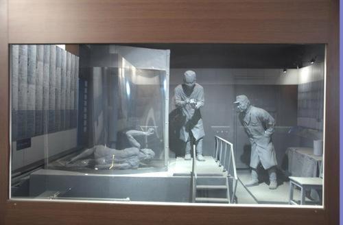 原731部队士兵为求心安拜佛像 称对不起中国人