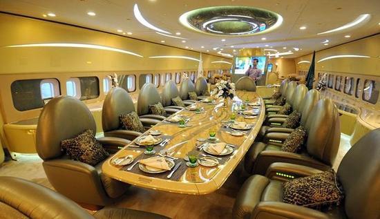 世界最大私人飞机内部曝光:共三层 最底层为车库(图)