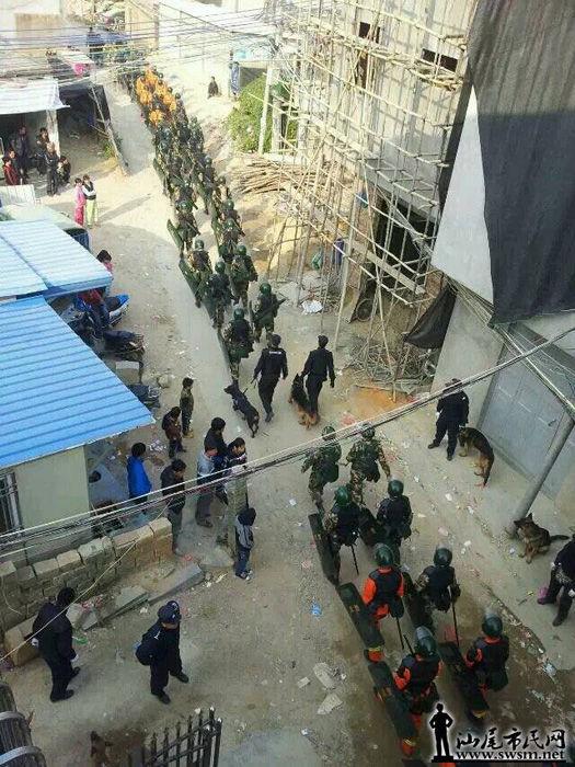 12月28日,广东省出动上千警力、警犬及数架直升机围剿陆丰市甲西镇博社等村庄毒贩。缉毒行动中查获毒品一大批和大量现金及涉毒制毒工具,抓获涉毒人员多名。