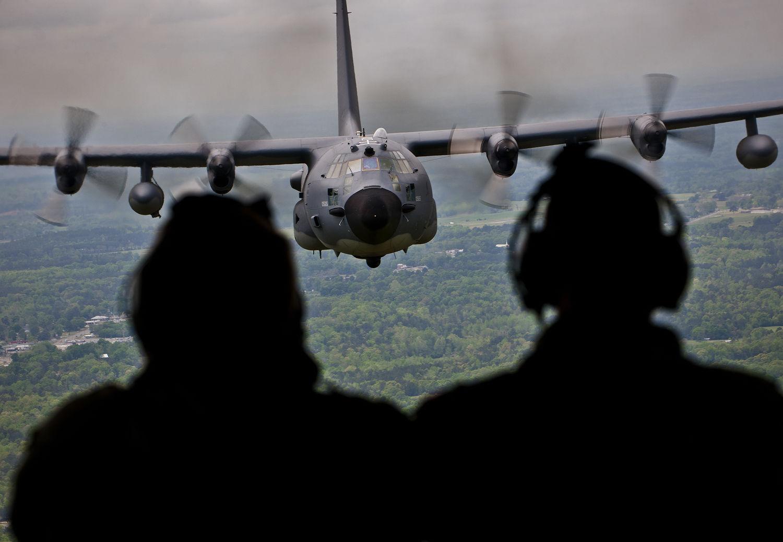图为美军mc-130e特种作战飞机.