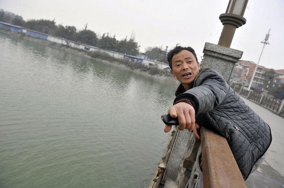 打捞人捞起溺亡者:不见红包不上岸 - 雷石梦 - 雷石梦(观新闻)