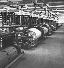 民国一家大型的纺织工厂