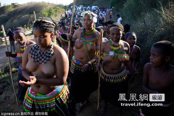 乌干达部落一妻多夫