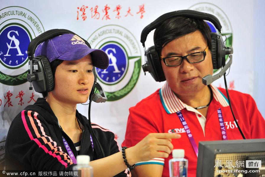奥运冠军吴静钰搭档韩乔生解说比赛