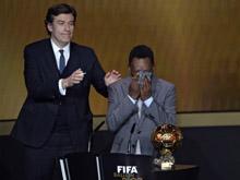 贝利获FIFA荣誉金球奖