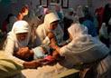 印尼女孩的割礼手术现场