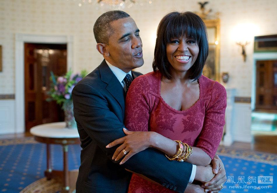 白宫,奥巴马在给第一夫人唱生日快乐歌 - 南南 - 阳光南南(看新闻)