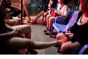 云南边境小城挣钱的越南女性