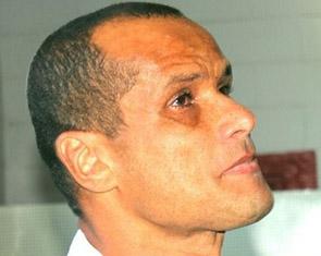 里瓦尔多正式宣布退役