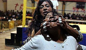 盛行数十年玻利维亚指环女神争夺赛 可用一切手段获胜
