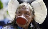 巴西土著部落首领抗议世界杯