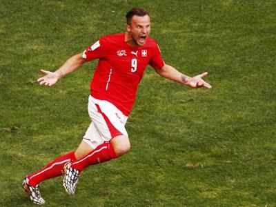 塞费罗维奇抽射破门 瑞士2-1逆转厄瓜多尔