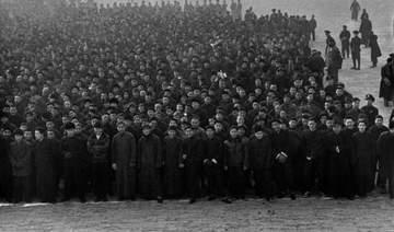 48年围城中的北平:太和殿前挤满应募当兵的青年