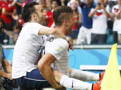 法尔比埃纳包抄射门 法国3-0瑞士