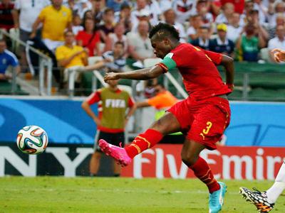 加纳2比1德国 吉安反越位成功 突入禁区劲射破门