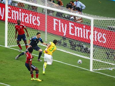 内马尔角球助攻 席尔瓦打空门巴西1-0