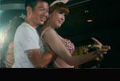 实拍泰国游船上大尺度互动游戏