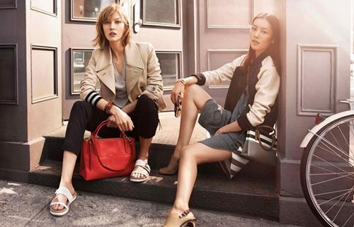 模特的侧面轮廓,一起诠释着coach的简约高雅和纽约的
