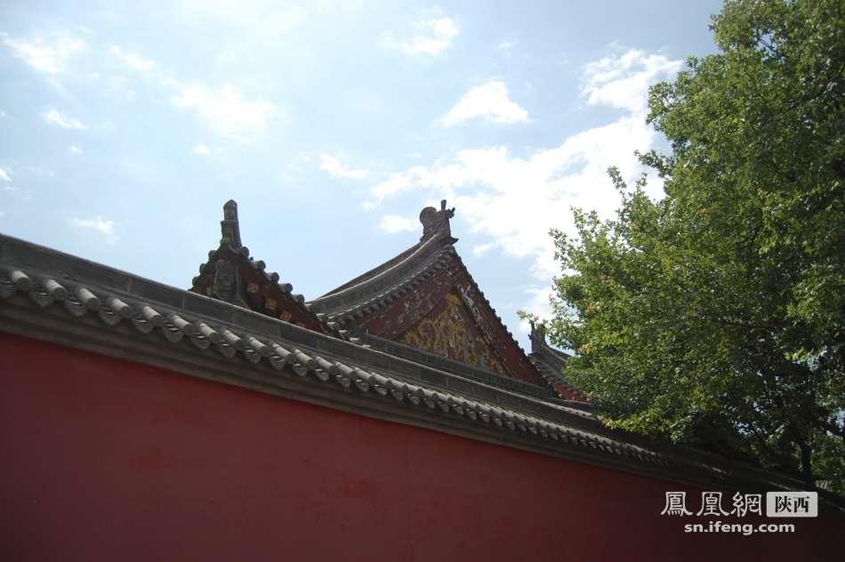 大唐镇人口-成的完整围墙与唐代残旧的楼阁,那个更美?-古城 你要变 新 吗