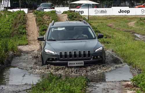 强涉水能力 jeep自由光