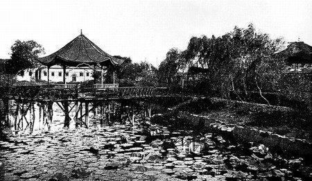 南通 南通生活 > 正文   南通唐闸公园建于1913年,是南通当时最早最大