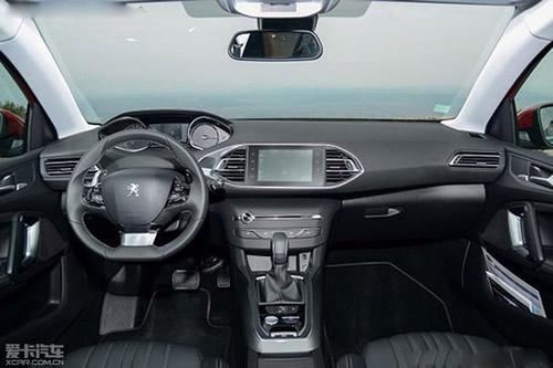 新款标致308s,led尾灯,空调,wip音响系统,行车电脑和遥控中央门锁.