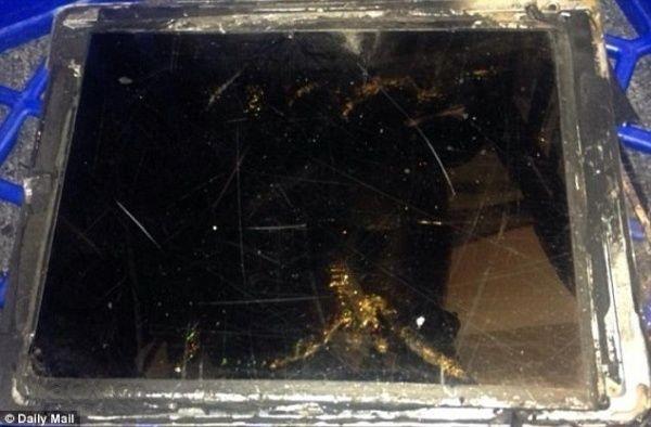 iPad Air发生爆炸:充电接口开始出现火光