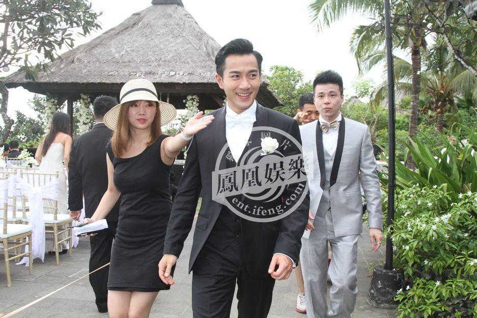 2014年1月8日,巴厘岛,凤凰娱乐全程直击杨幂刘恺威大婚现场。图为新郎刘恺威帅气亮相婚礼。