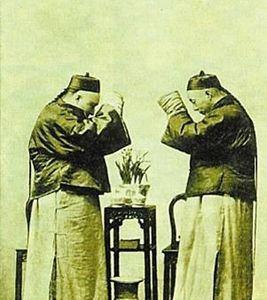 中国古代的见面礼仪:跪拜,打拱和作揖