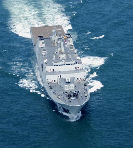 """美媒:中国两栖舰接近法国""""西北风"""" 造价19亿"""