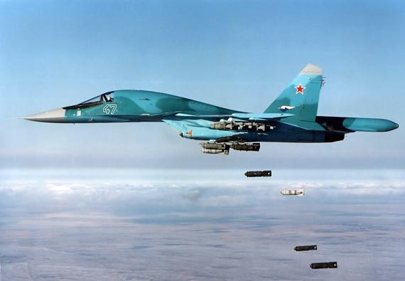 **:中国仿苏34研制歼17 用来替代轰6