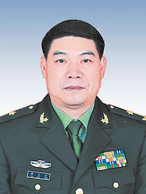 中央军委大幅调整海南省军区领导班子