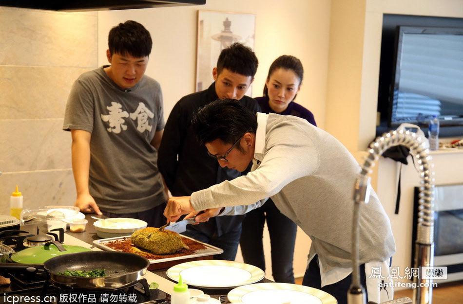 谢霆锋录节目秀厨艺 展现新好男人一面