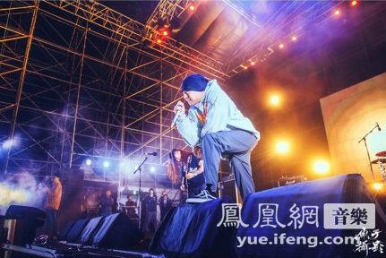扭曲机器压轴长江迷笛音乐节掀高潮