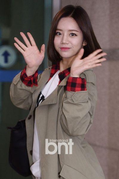 韩团女歌手因撒娇身价倍增 获广告商争抢