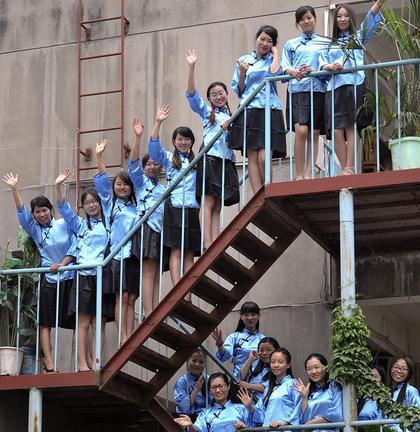 长安大学惊现剧情版毕业照 民国服装走红网络(图)