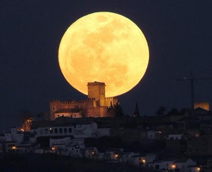 与月亮有关的歌