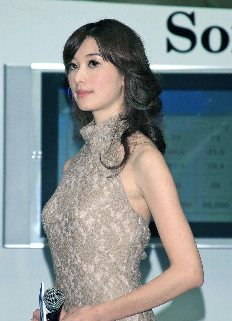 林志玲拍公益年历 盘点台湾第一美女透视装瞬间