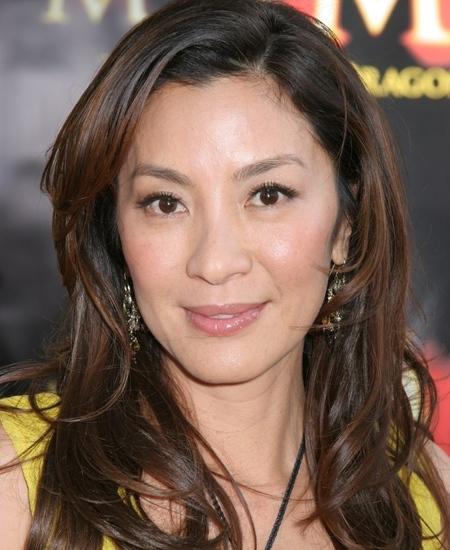 性情:49岁杨紫琼嫁66岁法国男友 夫妻差几岁最幸福