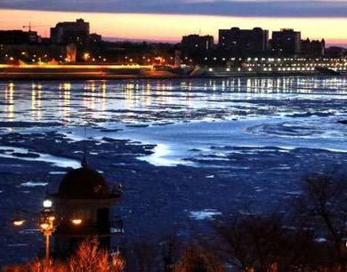黑龙江黑河段冰排景观
